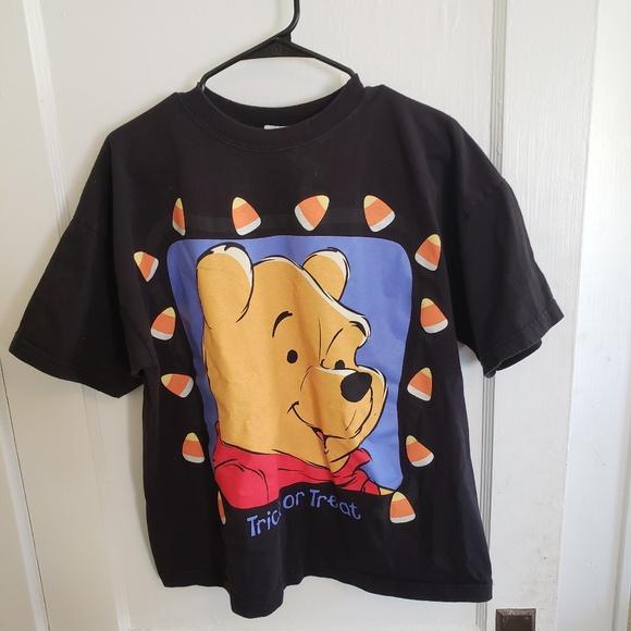 7b594b0985b8 Vintage 90s Winnie the Pooh Halloween T-Shirt. M 5bbfe89b619745f33fed30b7
